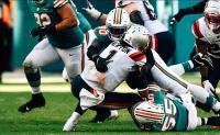 Dolphins fanno gruppo ed eliminano i Patriots dai playoff